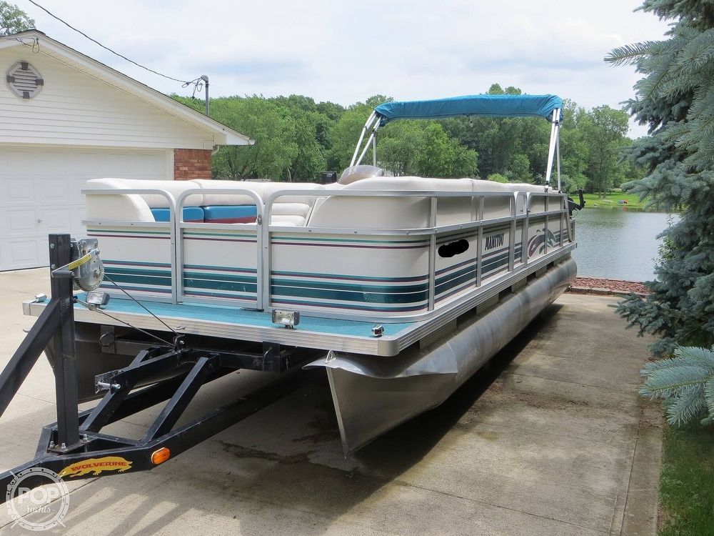 2000 Manitou boat for sale, model of the boat is 24 & Image # 20 of 40
