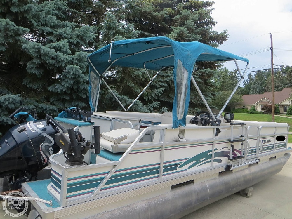 2000 Manitou boat for sale, model of the boat is 24 & Image # 27 of 40