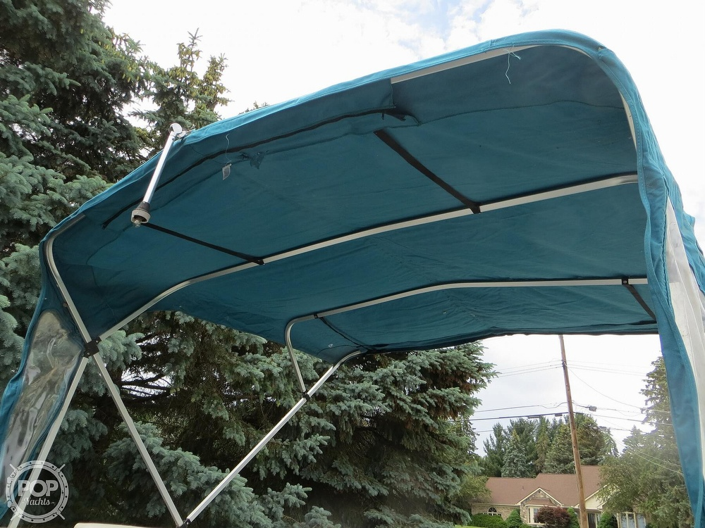 2000 Manitou boat for sale, model of the boat is 24 & Image # 28 of 40