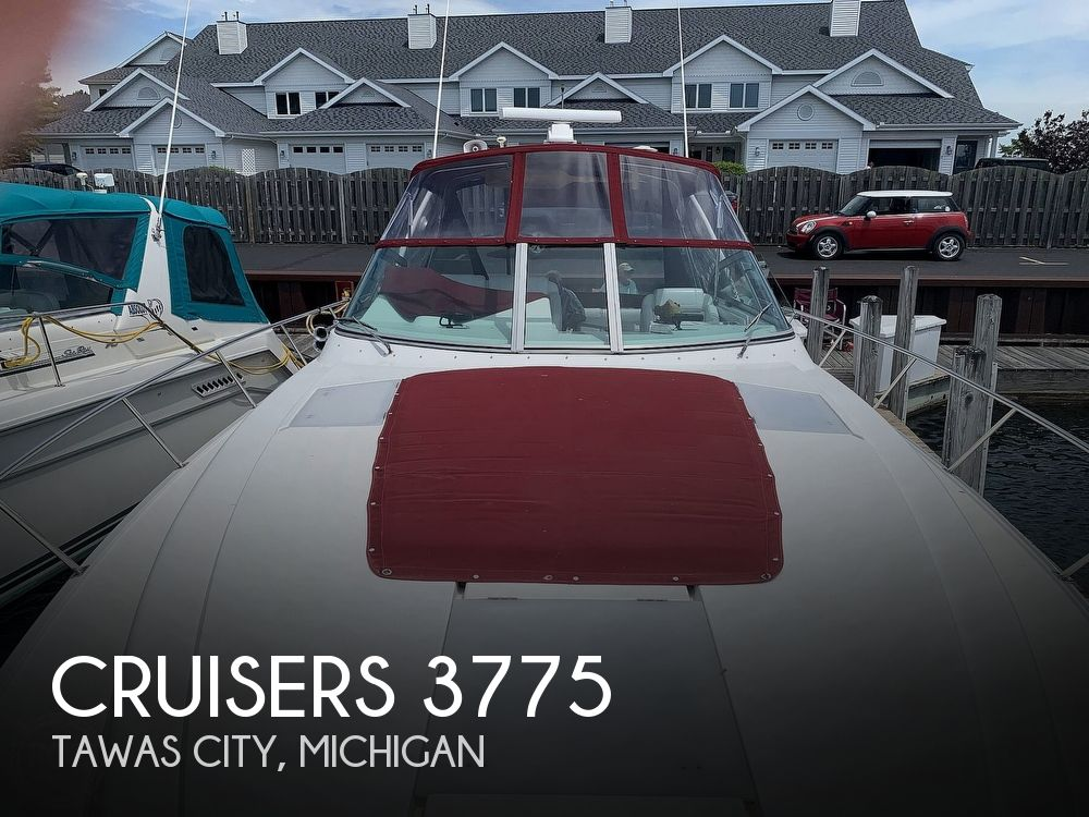 1996 Cruisers Yachts boat for sale, model of the boat is 3775 Esprit & Image # 1 of 40