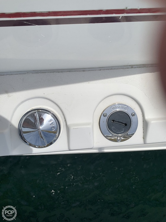 1996 Cruisers Yachts boat for sale, model of the boat is 3775 Esprit & Image # 7 of 40