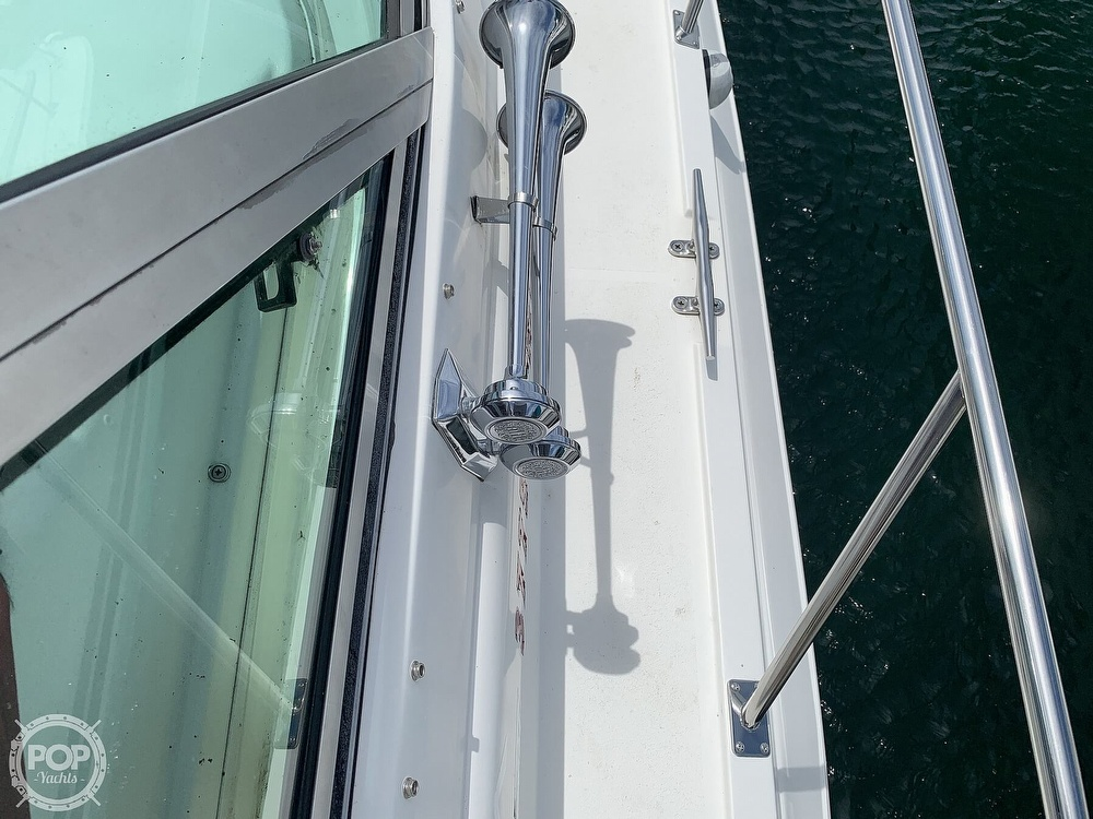 1996 Cruisers Yachts boat for sale, model of the boat is 3775 Esprit & Image # 10 of 40