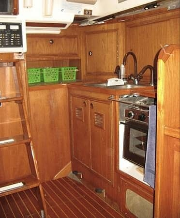 1984 Wauquiez boat for sale, model of the boat is Hood 38 & Image # 10 of 40