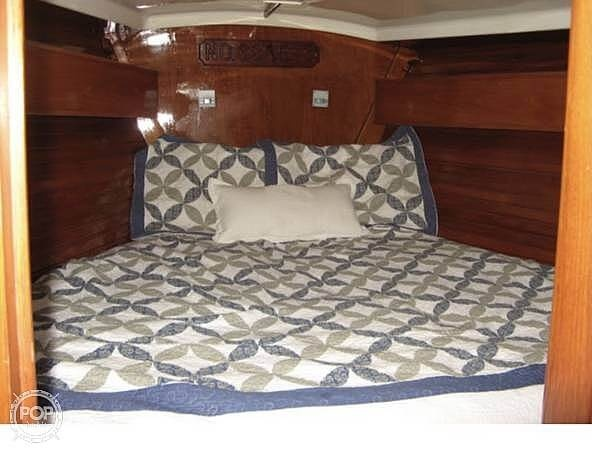 1984 Wauquiez boat for sale, model of the boat is Hood 38 & Image # 14 of 40