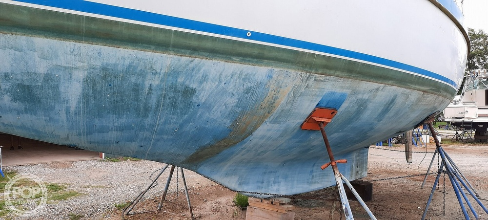 1984 Wauquiez boat for sale, model of the boat is Hood 38 & Image # 17 of 40