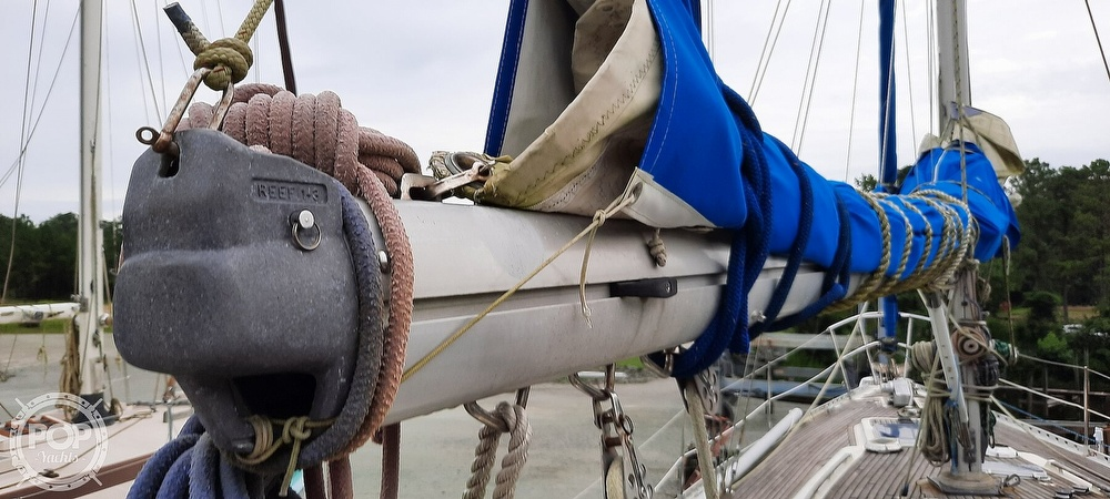 1984 Wauquiez boat for sale, model of the boat is Hood 38 & Image # 19 of 40