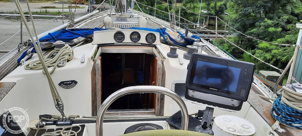 1984 Wauquiez boat for sale, model of the boat is Hood 38 & Image # 25 of 40
