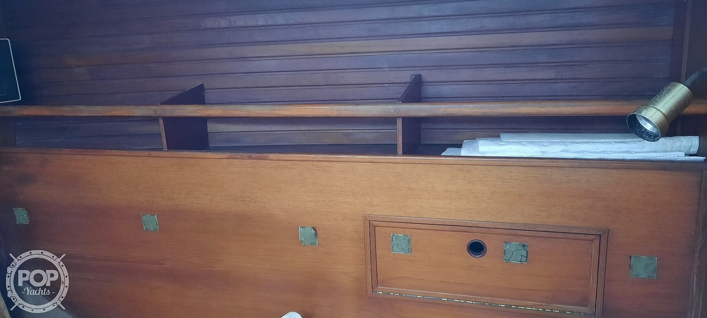 1984 Wauquiez boat for sale, model of the boat is Hood 38 & Image # 37 of 40