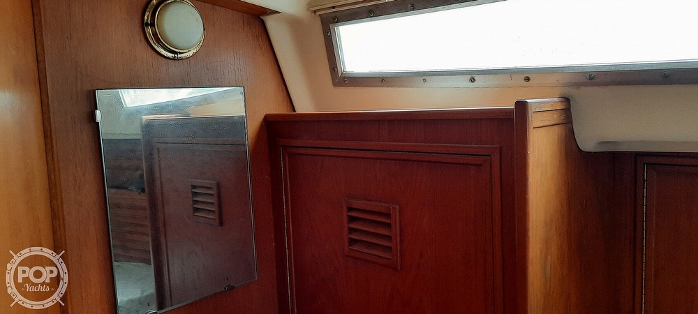 1984 Wauquiez boat for sale, model of the boat is Hood 38 & Image # 38 of 40