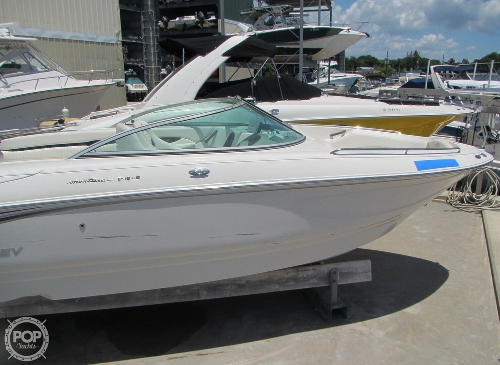 2005 Monterey boat for sale, model of the boat is 248LS Montura & Image # 15 of 40