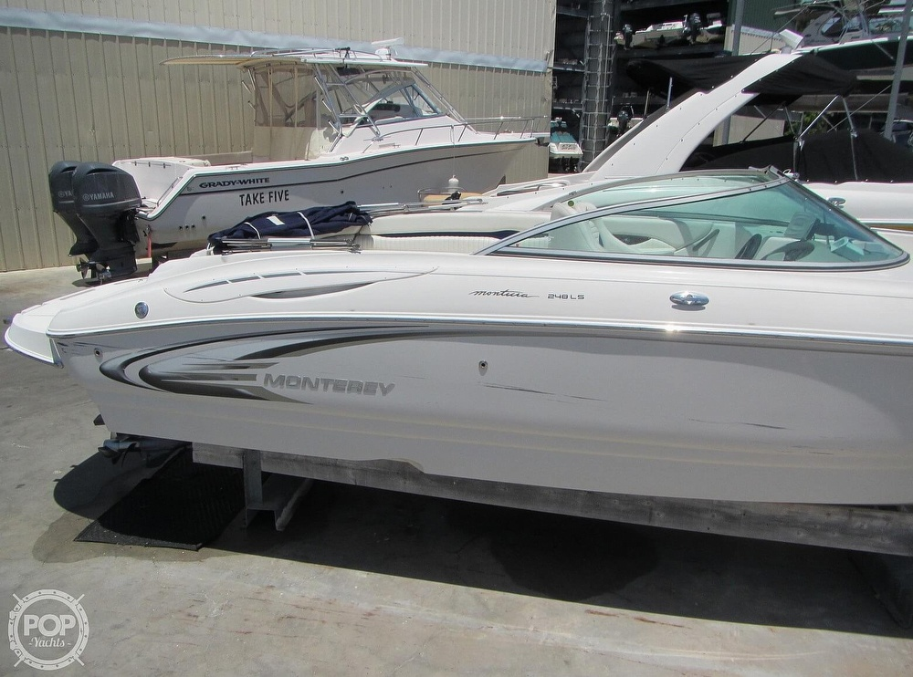 2005 Monterey boat for sale, model of the boat is 248LS Montura & Image # 16 of 40