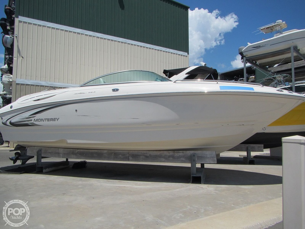 2005 Monterey boat for sale, model of the boat is 248LS Montura & Image # 38 of 40