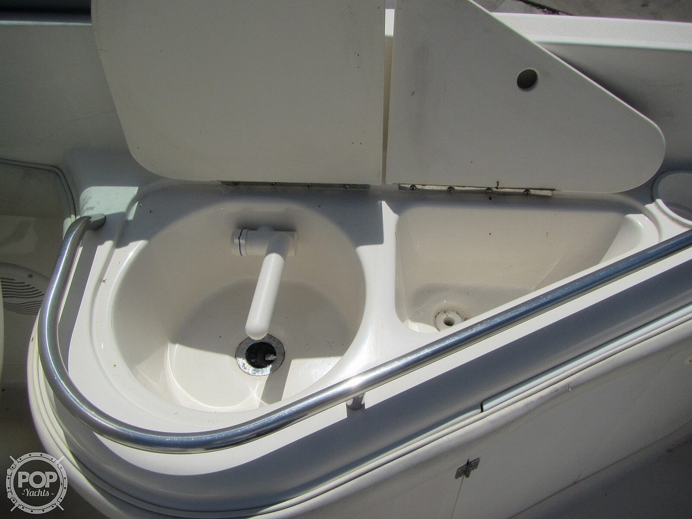 2005 Monterey boat for sale, model of the boat is 248LS Montura & Image # 6 of 40