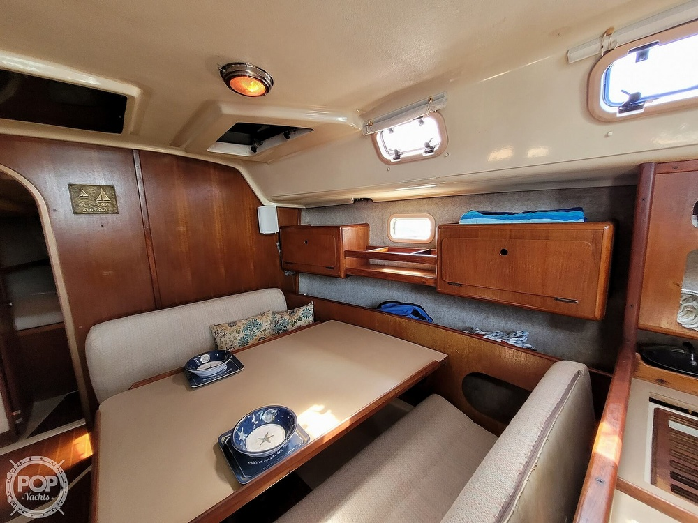 1988 Hunter boat for sale, model of the boat is 33.5 & Image # 9 of 40