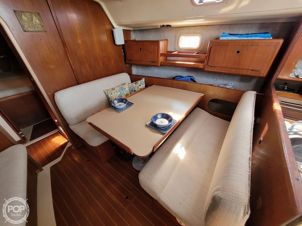 1988 Hunter boat for sale, model of the boat is 33.5 & Image # 10 of 40