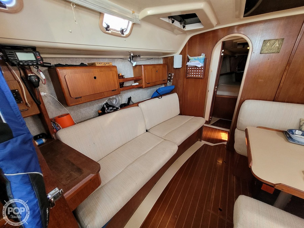 1988 Hunter boat for sale, model of the boat is 33.5 & Image # 11 of 40