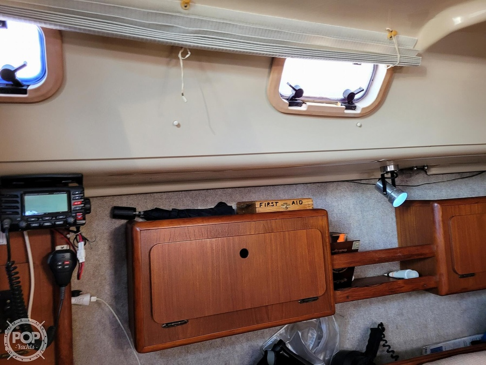 1988 Hunter boat for sale, model of the boat is 33.5 & Image # 16 of 40