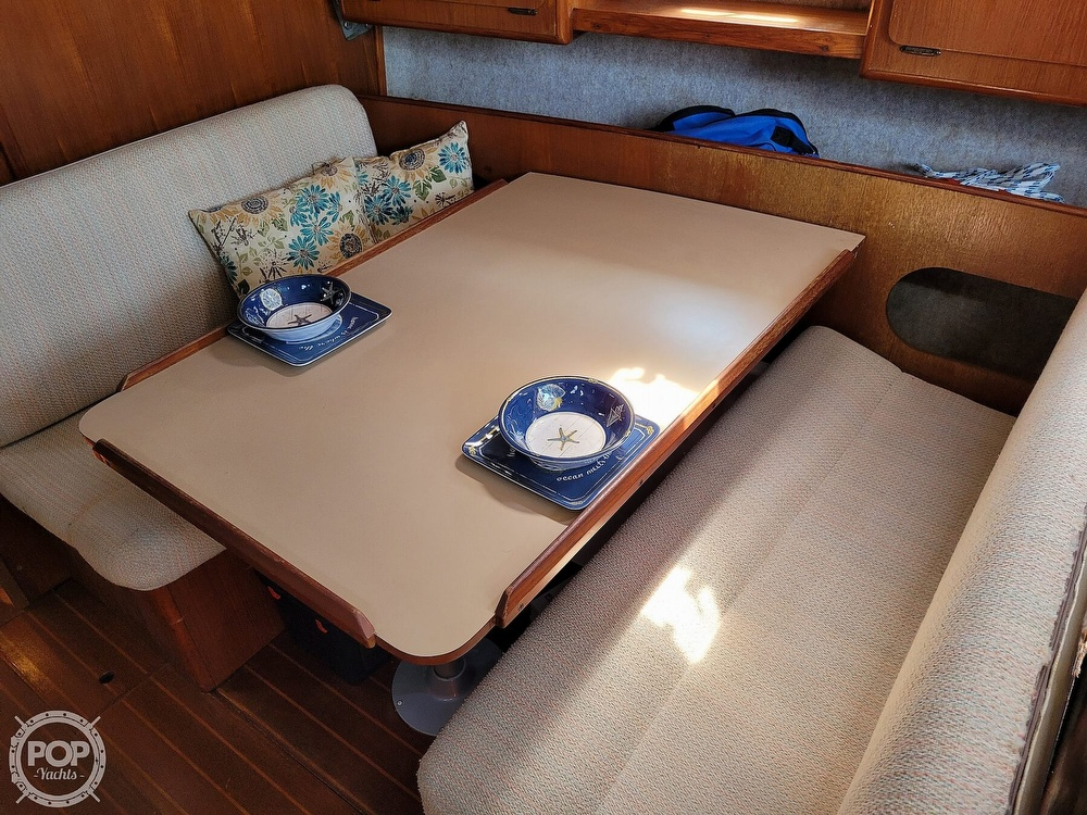 1988 Hunter boat for sale, model of the boat is 33.5 & Image # 19 of 40