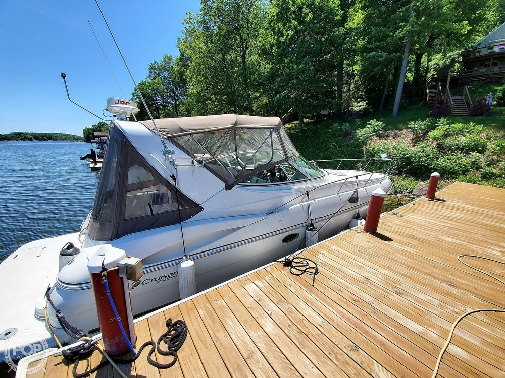 2003 Cruisers Yachts boat for sale, model of the boat is 3275 Express & Image # 5 of 40