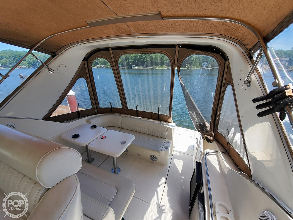 2003 Cruisers Yachts boat for sale, model of the boat is 3275 Express & Image # 13 of 40