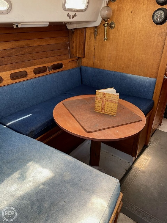 1976 Ericson Yachts boat for sale, model of the boat is 35 & Image # 3 of 8