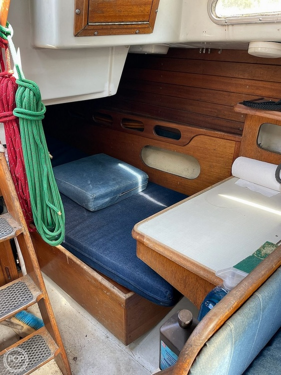 1976 Ericson Yachts boat for sale, model of the boat is 35 & Image # 5 of 8