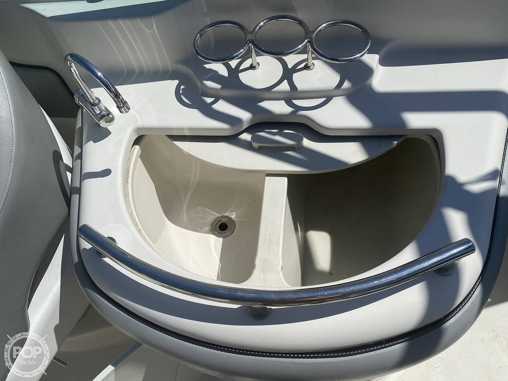 2006 Sea Ray boat for sale, model of the boat is 270 Sundeck & Image # 4 of 40