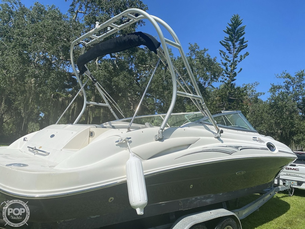 2006 Sea Ray boat for sale, model of the boat is 270 Sundeck & Image # 11 of 40