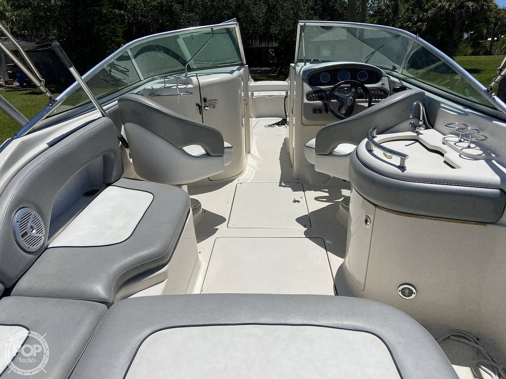2006 Sea Ray boat for sale, model of the boat is 270 Sundeck & Image # 2 of 40