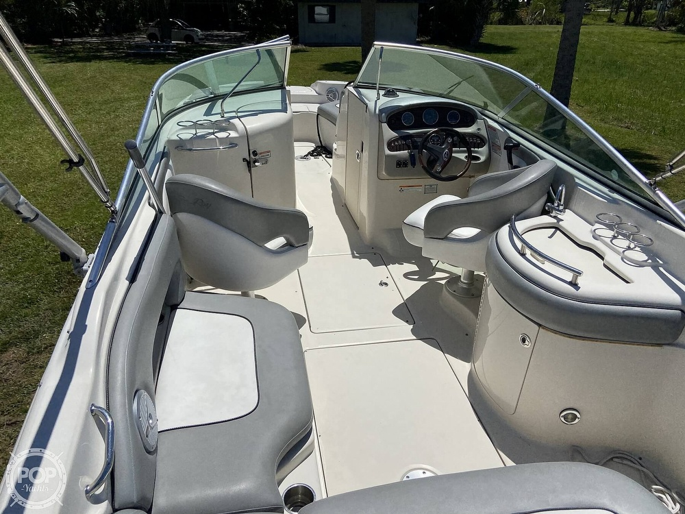 2006 Sea Ray boat for sale, model of the boat is 270 Sundeck & Image # 6 of 40