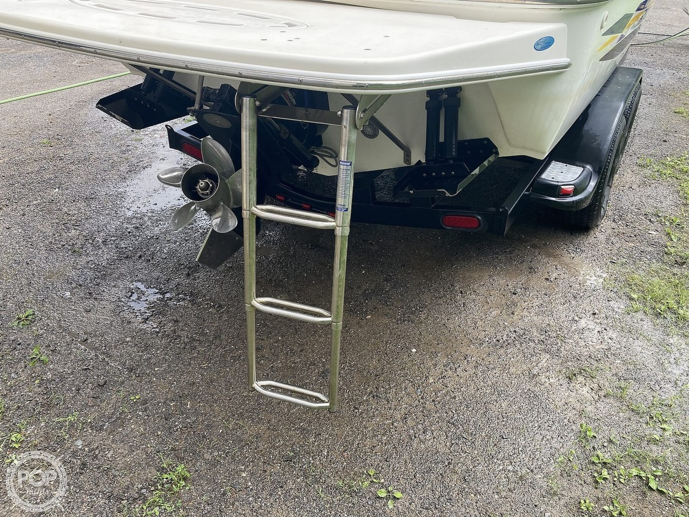 2000 Wellcraft boat for sale, model of the boat is Excalibur 23 Sport & Image # 8 of 40