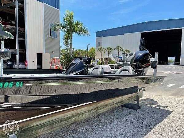 2019 Xpress boat for sale, model of the boat is x21 Pro & Image # 2 of 16