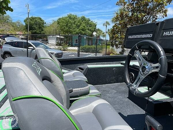 2019 Xpress boat for sale, model of the boat is x21 Pro & Image # 8 of 16