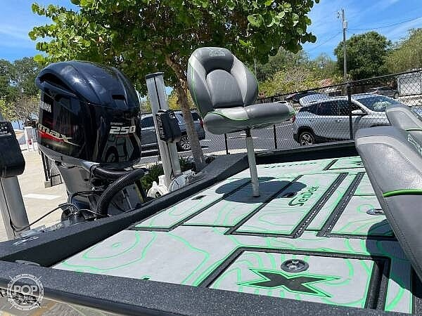 2019 Xpress boat for sale, model of the boat is x21 Pro & Image # 9 of 16