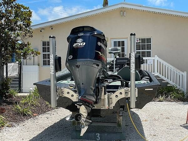 2019 Xpress boat for sale, model of the boat is x21 Pro & Image # 15 of 16