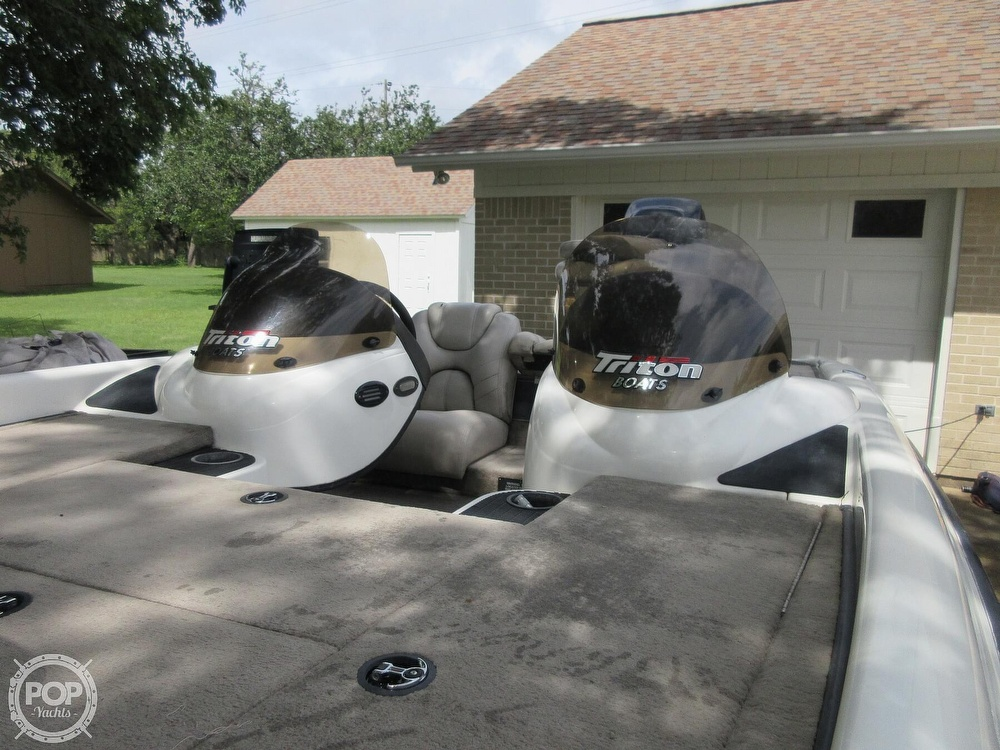 2003 Triton boat for sale, model of the boat is Tr-21 & Image # 36 of 40