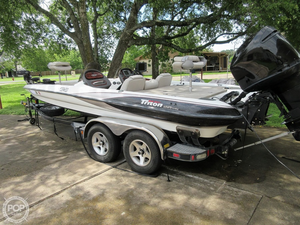 2003 Triton boat for sale, model of the boat is Tr-21 & Image # 37 of 40