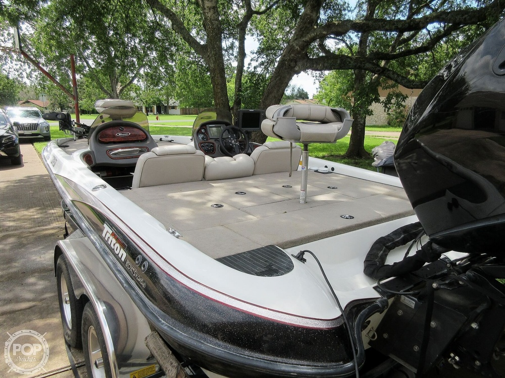 2003 Triton boat for sale, model of the boat is Tr-21 & Image # 39 of 40