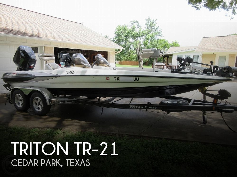 2003 Triton boat for sale, model of the boat is Tr-21 & Image # 1 of 40