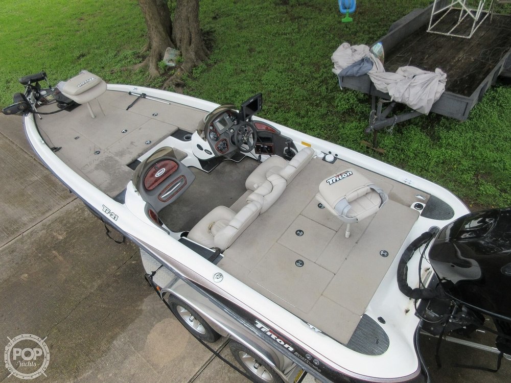 2003 Triton boat for sale, model of the boat is Tr-21 & Image # 2 of 40