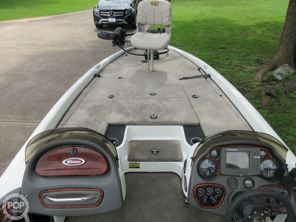 2003 Triton boat for sale, model of the boat is Tr-21 & Image # 19 of 40