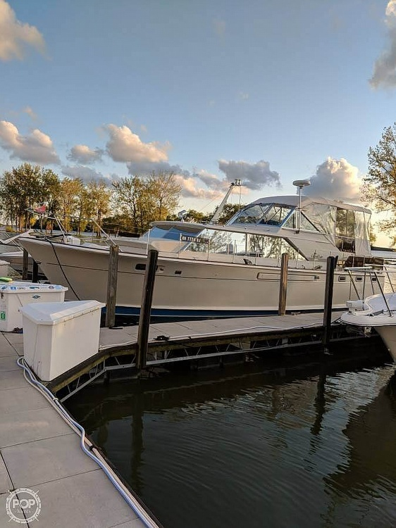 1971 Chris Craft boat for sale, model of the boat is Commander & Image # 3 of 18