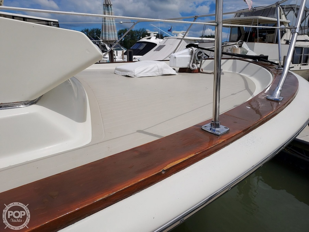 1971 Chris Craft boat for sale, model of the boat is Commander 42 & Image # 22 of 40