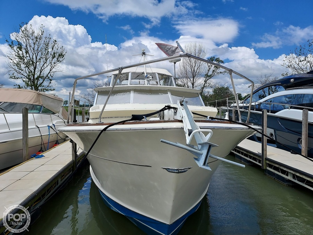 1971 Chris Craft boat for sale, model of the boat is Commander 42 & Image # 36 of 40
