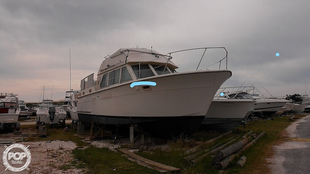 1974 Hatteras boat for sale, model of the boat is 38 DC & Image # 7 of 40