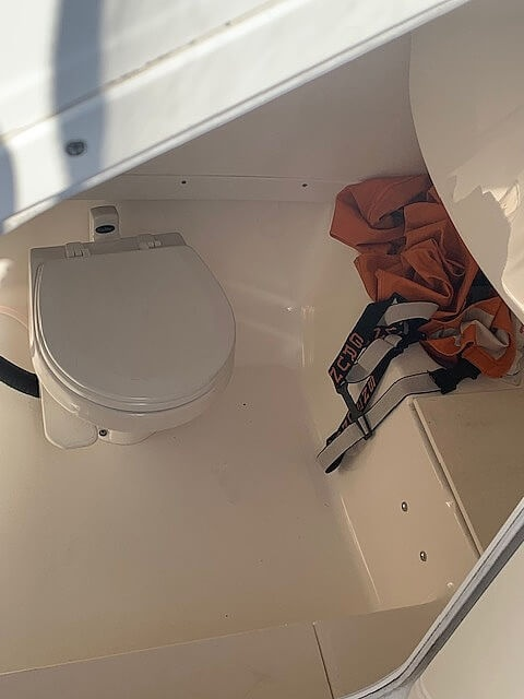 2006 Robalo boat for sale, model of the boat is R260 & Image # 18 of 36