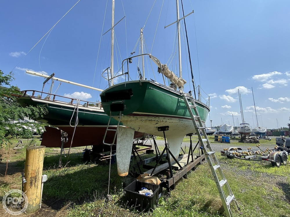 1987 Capital Yachts boat for sale, model of the boat is Newport 28 & Image # 2 of 40