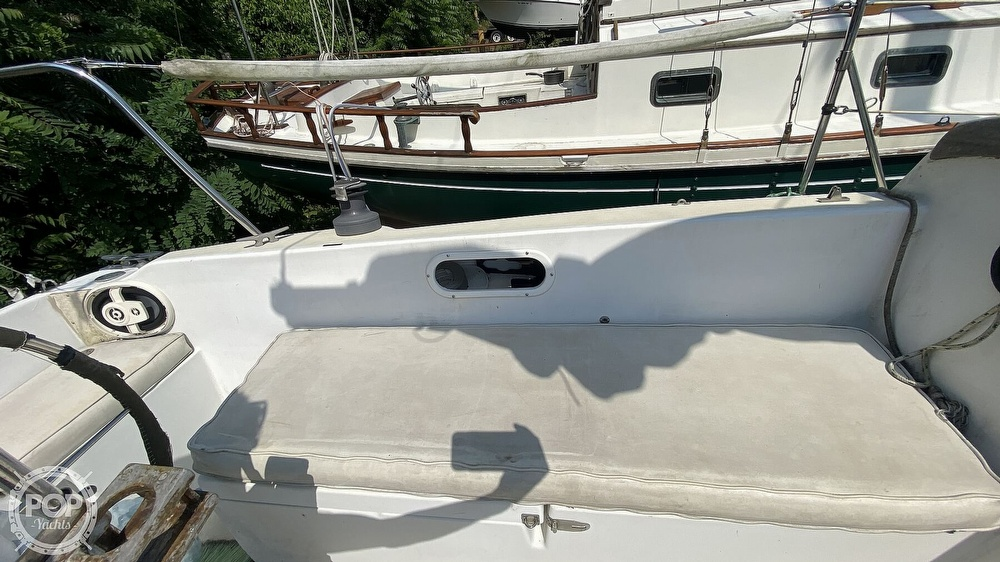 1987 Capital Yachts boat for sale, model of the boat is Newport 28 & Image # 16 of 40