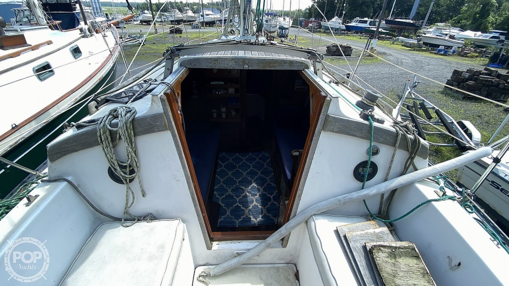 1987 Capital Yachts boat for sale, model of the boat is Newport 28 & Image # 21 of 40