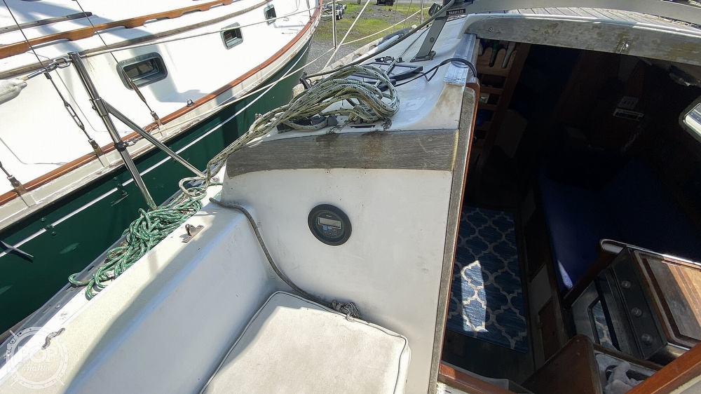 1987 Capital Yachts boat for sale, model of the boat is Newport 28 & Image # 23 of 40